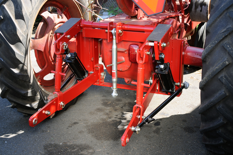 Farmall Hitch Leveling Bar : Hydraulic cyliinder for point hitch adaptors leveling