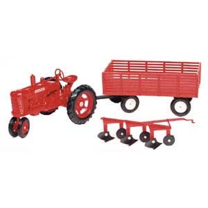1:16 Farmall M Tractor Wagon & Plow Set