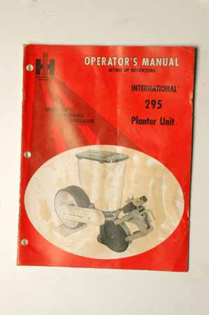 International 295 planter Unit