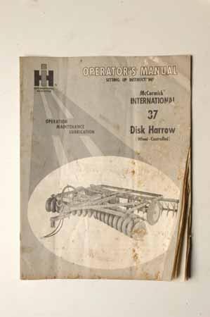 Operators manual International 37 disk harrow