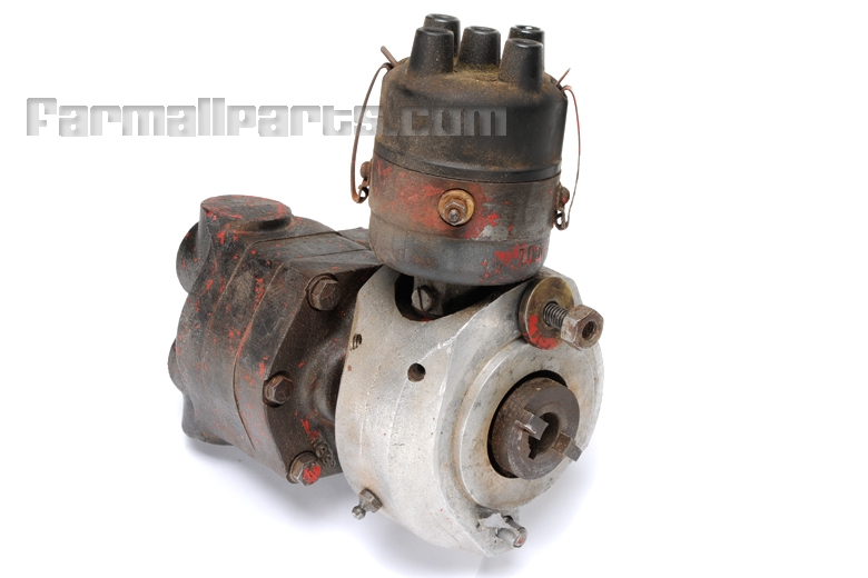 Farmall Hydraulic Pump : Distributor and live hydraulic pump assembly from farmall