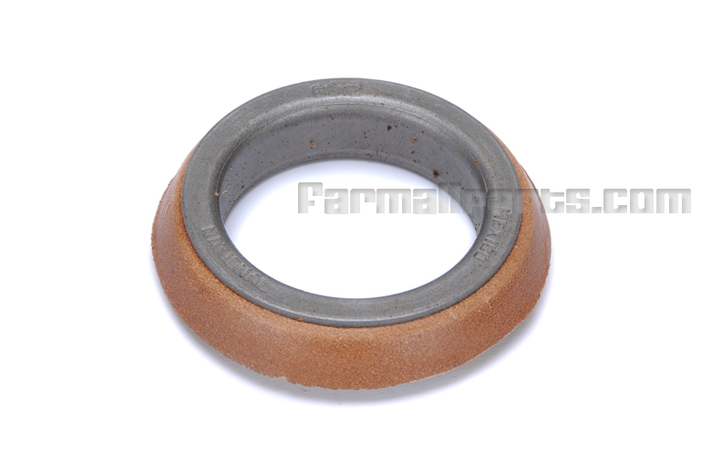 Front Axle Seal - Cub, Cub Lo-Boy