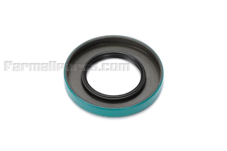 Rear PTO Output Shaft seal -  Super M, 400, 450
