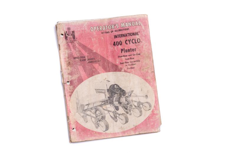 Opertors Manual International 400 CycloPlanter