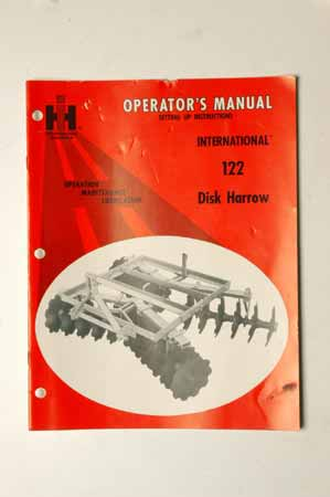 IH Operator's MANUAL  International 122 Disk Harrow