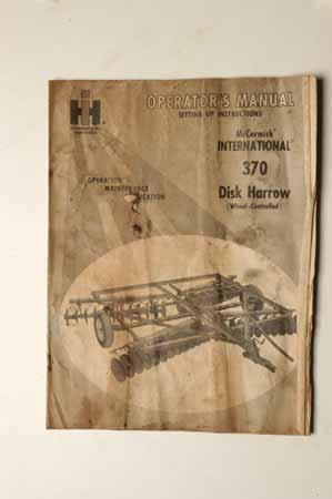 Operators Manual International 370 Disk Harrow