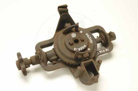 IH geared planter bracket assembly  po3151 NEW OLD STOCK - fits cub and super A